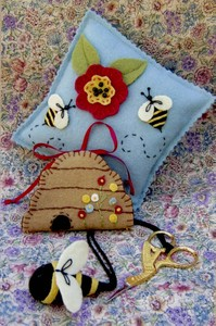 BBD224 SEWING BEE PIN CUSHION